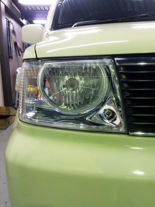 三菱ekワゴンヘッドライト