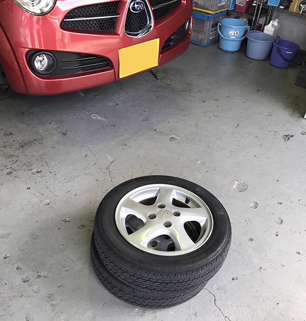 タイヤ交換軽自動車