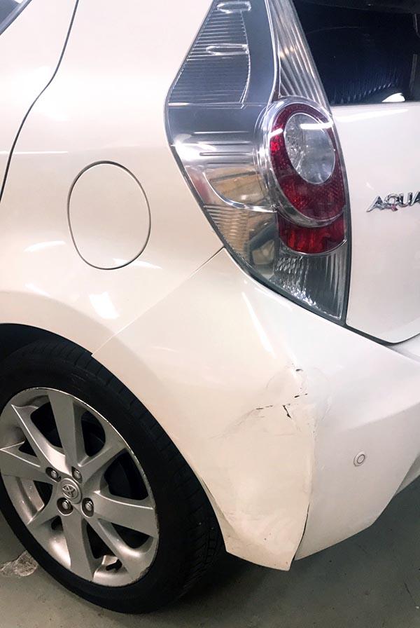 トヨタ アクア板金塗装|修理・事故修理なら大阪・東大阪トミクルまで