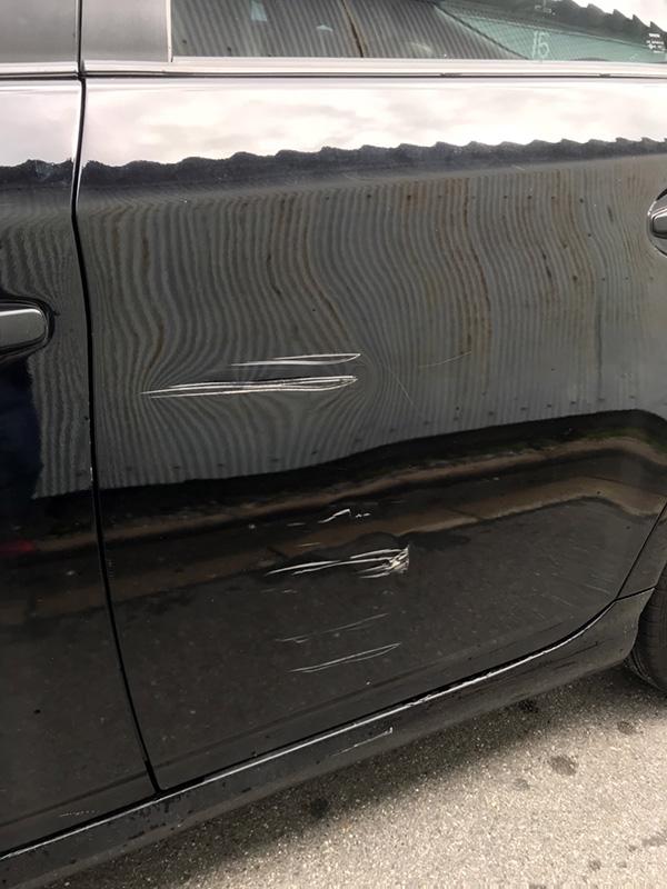 ドア板金塗装